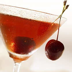 Receta para preparar un cocktail Manhattan