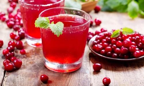 beneficios del jugo o zumo de arándanos
