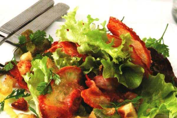 Receta Ensalada con pan frito y beicon