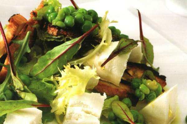 Receta Guisantes crudos en ensalada con queso de cabra