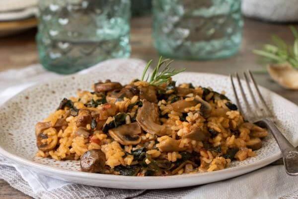 cómo preparar arroz con sepia, champiñones y espinacas