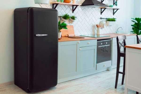 quién inventó el refrigerador